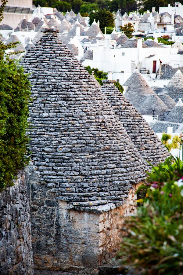 traditionele treinstations in Alberobello stock afbeelding
