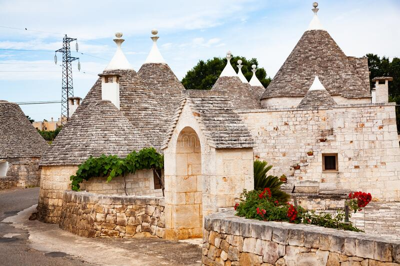 traditionele treinstations in Alberobello royalty-vrije stock afbeeldingen