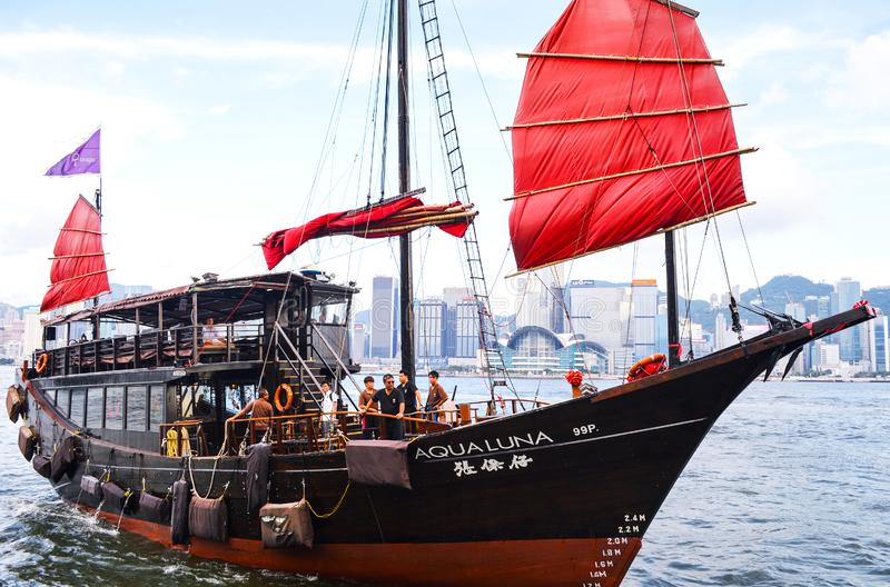 Traditionele Varende Boot in Hong Kong Victoria Harbour stock afbeelding