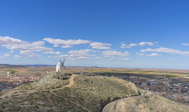 Traditionele windmolens van Castilla La Mancha Toledo, Spanje windm royalty-vrije stock fotografie