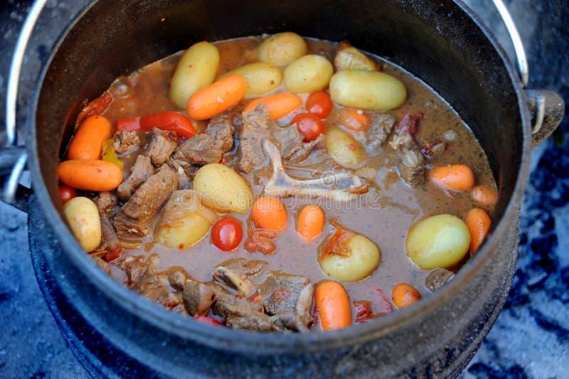 Traditionele Zuidafrikaanse Potjie stock foto's