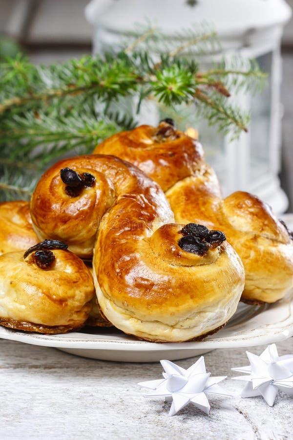 Traditionele Zweedse broodjes in Kerstmis het plaatsen stock fotografie