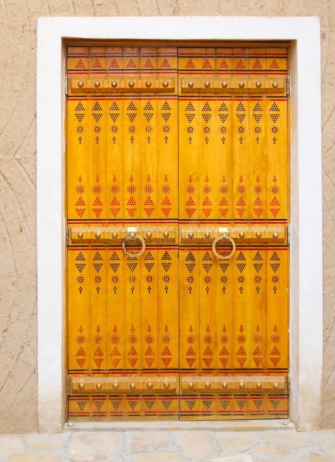 traditionell arabisk dörröppning royaltyfria bilder