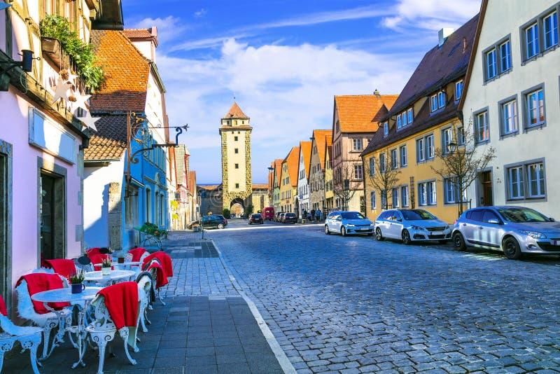 Traditionell arkitektur av Tyskland Gator av den Rothenburg staden royaltyfri fotografi