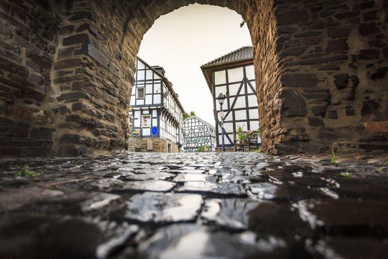 Traditionell arkitektur på historiska Blankenberg, Tyskland arkivfoton