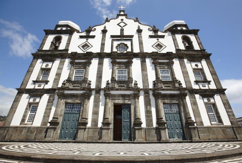 Traditionell azores kyrka i den Flores ön Nossa Senhora da lurar royaltyfri fotografi