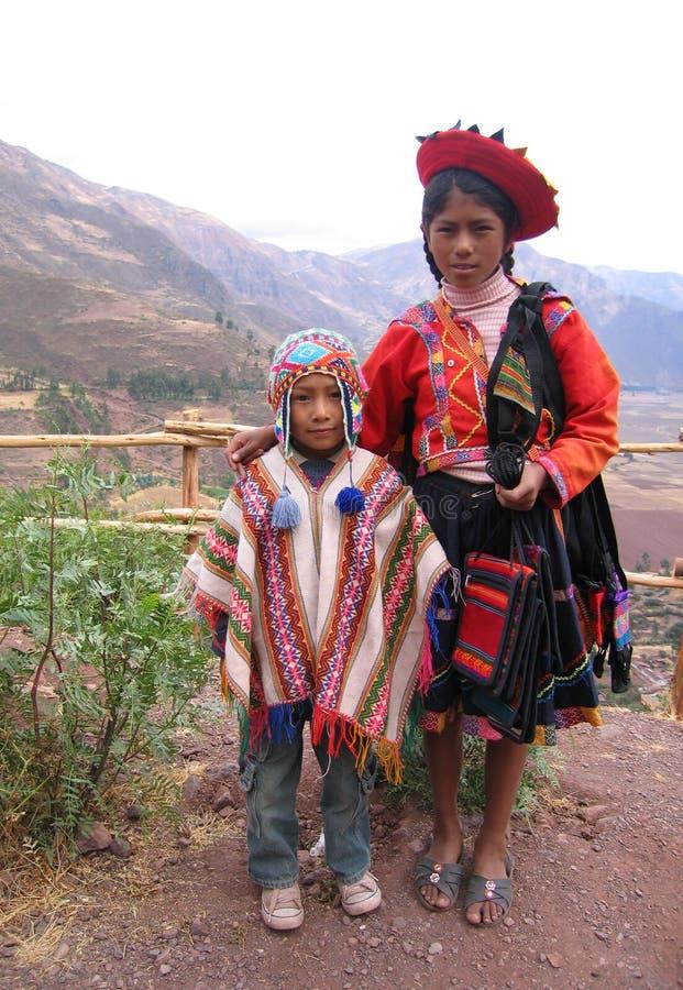 traditionell barnperuan royaltyfri foto