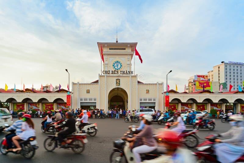 Traditionell Ben Thanh marknad i den Ho Chi Minh staden, Vietnam arkivbild