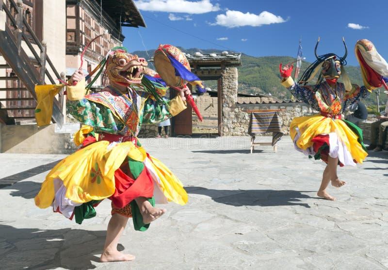 Traditionell bhutanesisk dans arkivfoton