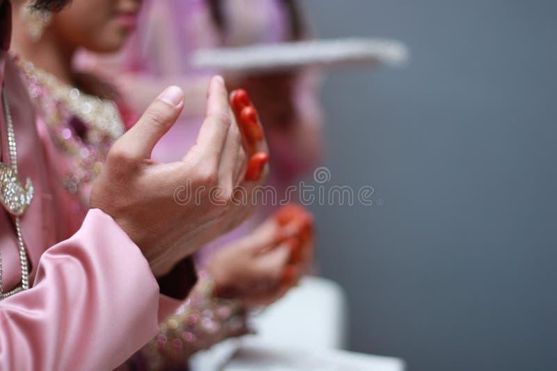 Traditionell bröllopceremoni för Malay. arkivbilder