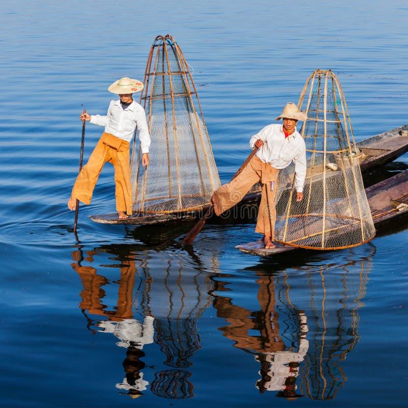 Traditionell Burmese fiskare på Inle sjön Myanmar arkivfoton