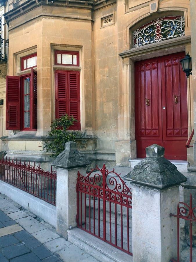 Traditionell doorr Malta för gammal stad arkivbild