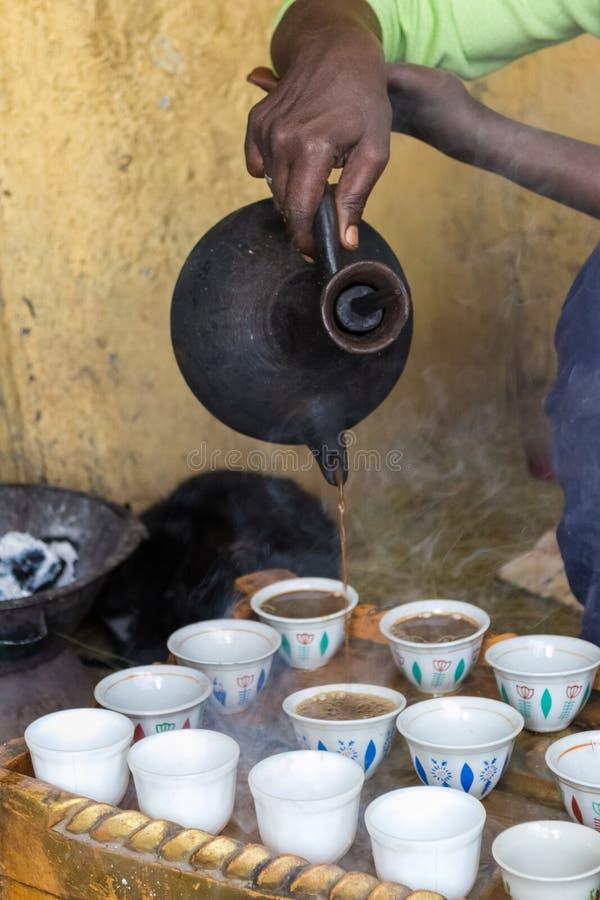 Traditionell ethiopian kaffeceremoni royaltyfri fotografi