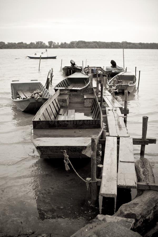 traditionell flod för fartygdanube fiske royaltyfri fotografi