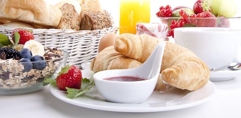 Traditionell fransk frukostgiffel   royaltyfri fotografi
