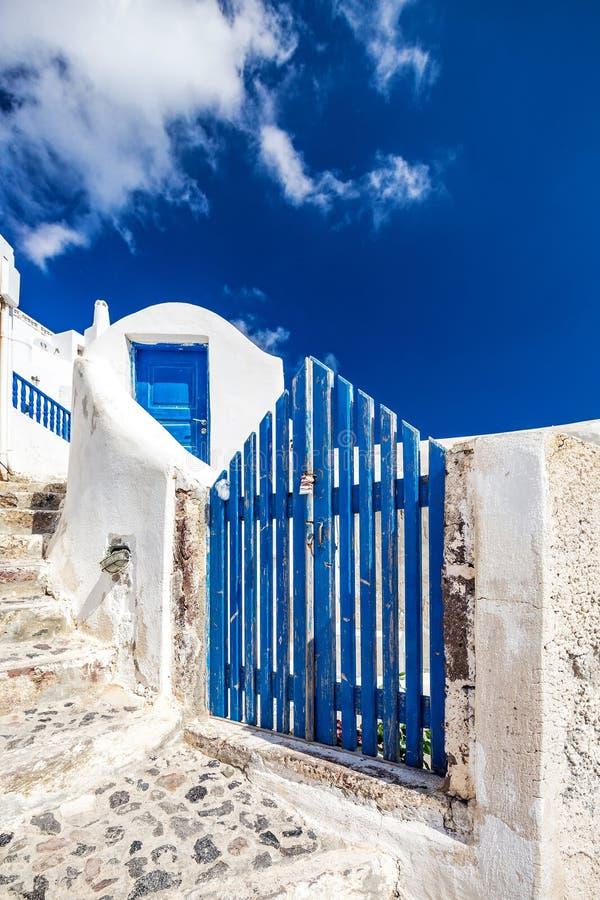 Traditionell gränd av Santorini royaltyfri foto