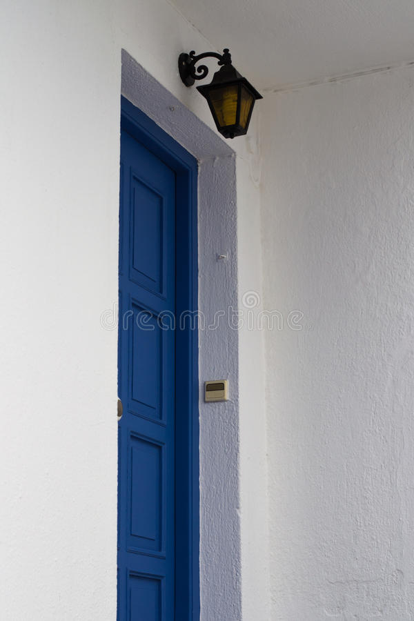 Traditionell grekisk dörr arkivbilder