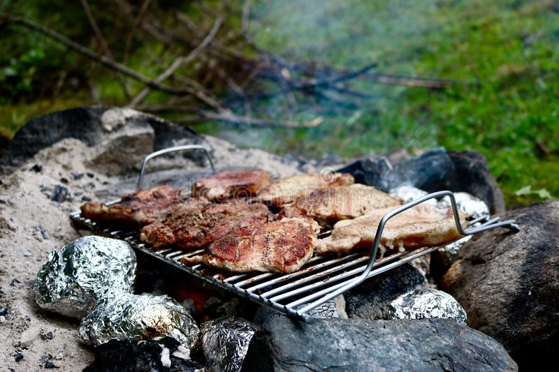 traditionell grillad meat arkivfoton