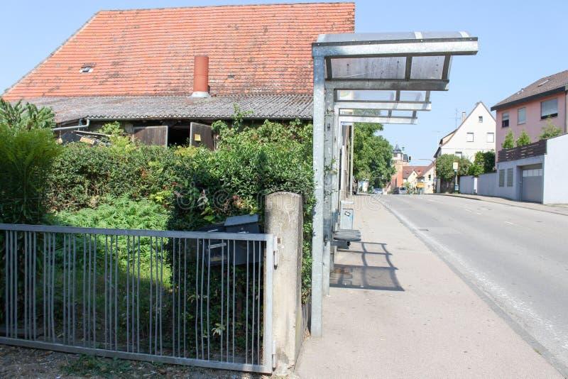 Traditionell huskoja i Markgröningen Stuttgart byTyskland nära hållplatsen och gatan arkivfoto