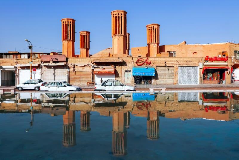 Traditionell iransk arkitektur i den gamla staden av Yazd iran persia royaltyfri foto