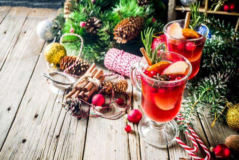 Traditionell jul funderade vin arkivbild