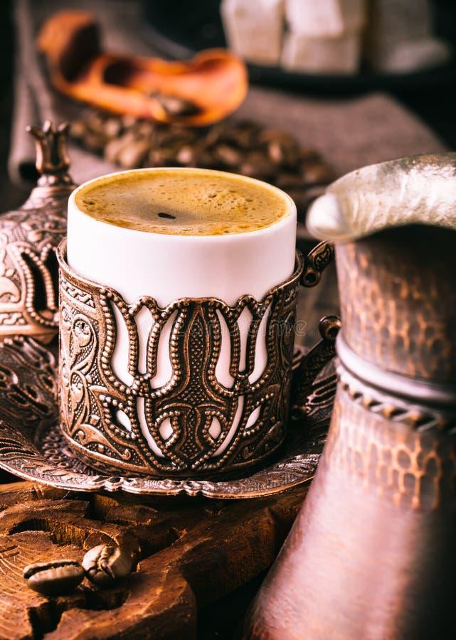 Traditionell kopp för turkiskt kaffe royaltyfri foto