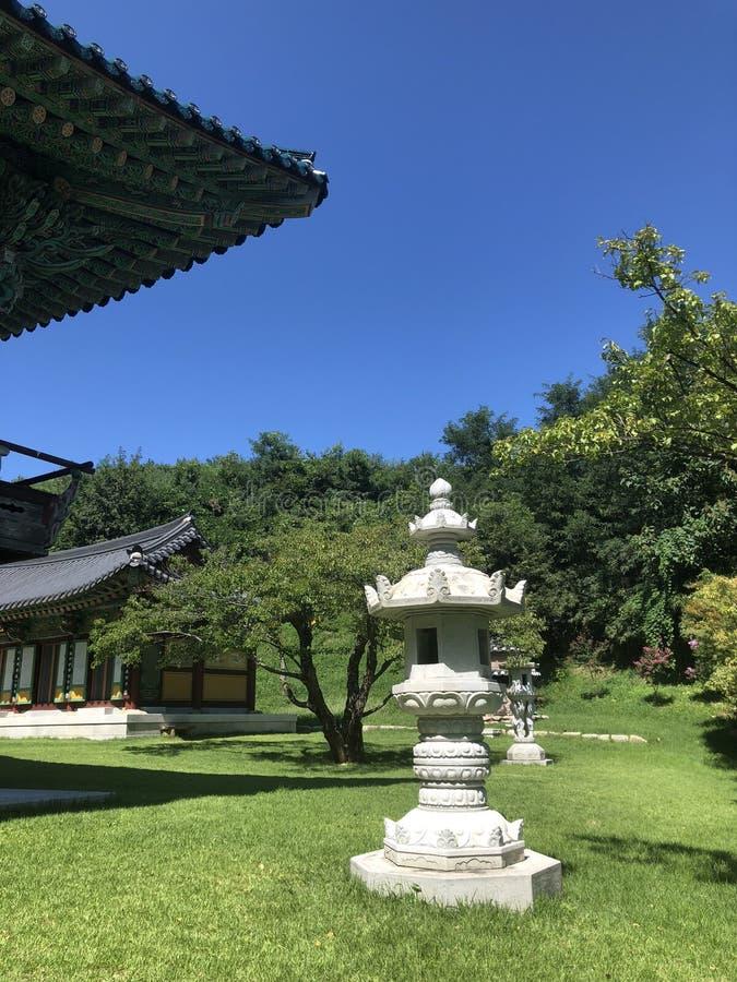 Traditionell koreansk tempel royaltyfria bilder