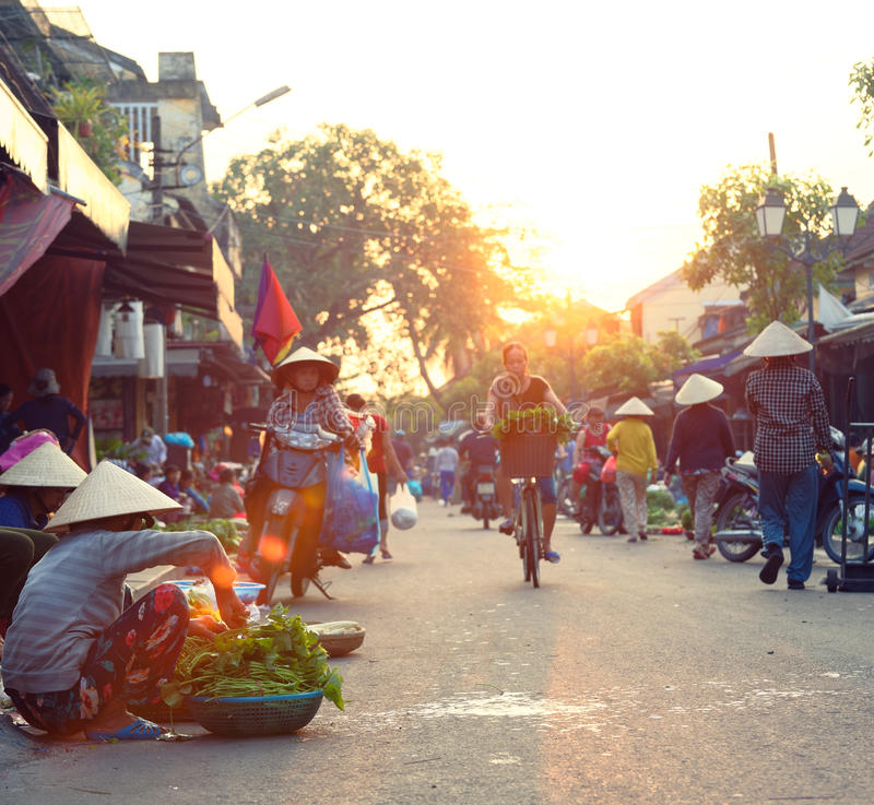 Traditionell marknad i Hoi An arkivfoto