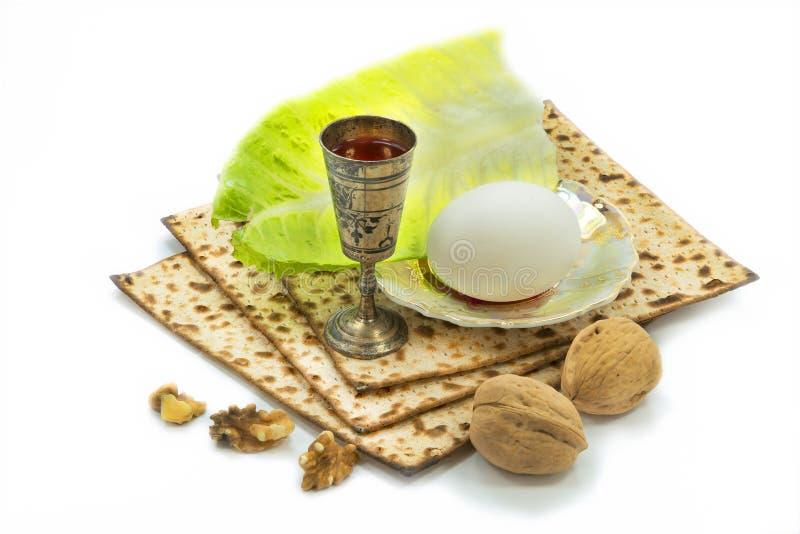 Traditionell mat och drink för beröm av den judiska påskhögtiden arkivfoto