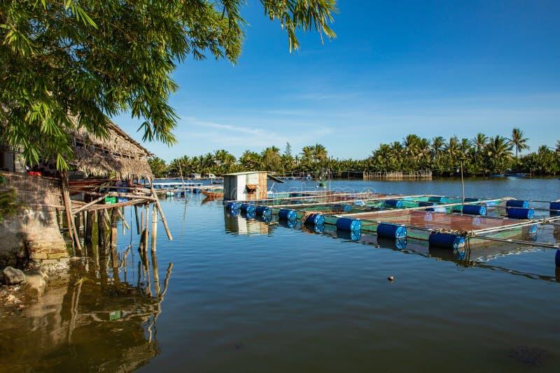 Traditionell by nära Hoi An, Vietnam royaltyfri bild