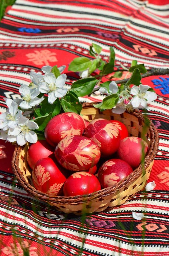 Traditionell påsk målade ägg royaltyfria foton