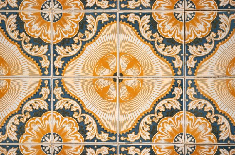 Traditionell portugis glasade tegelplattor royaltyfri foto