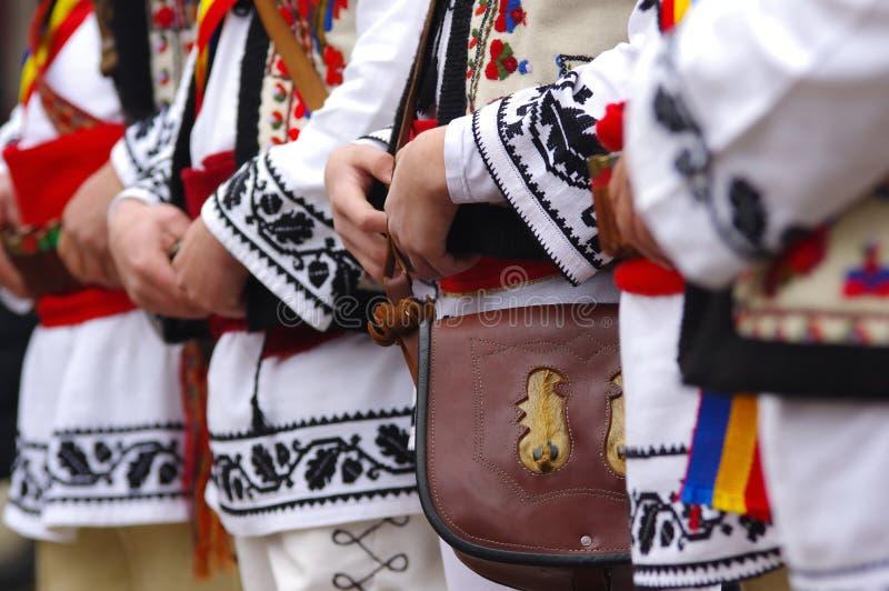 Traditionell rumänsk kläder royaltyfria foton