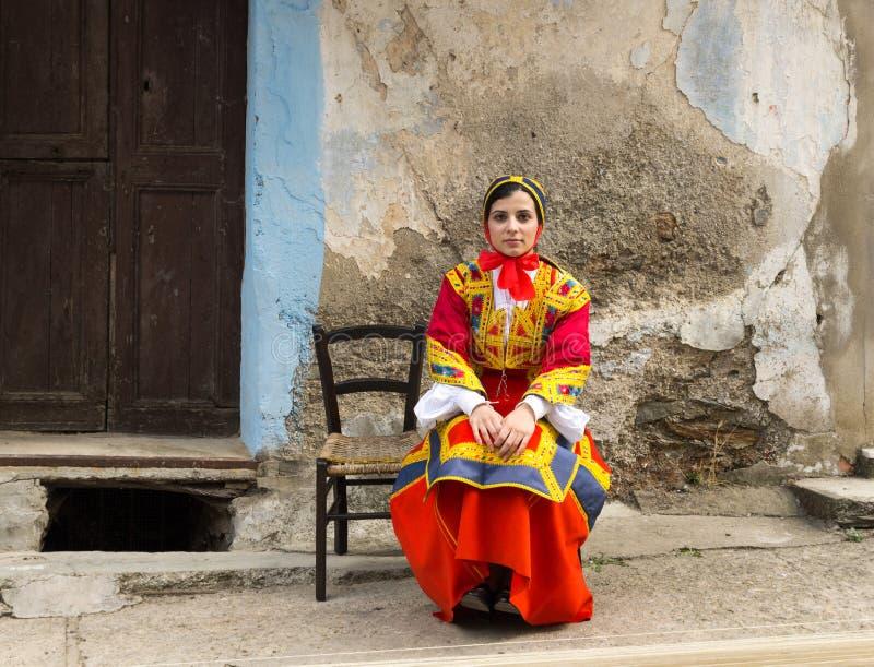 Traditionell sardinian dräkt fotografering för bildbyråer