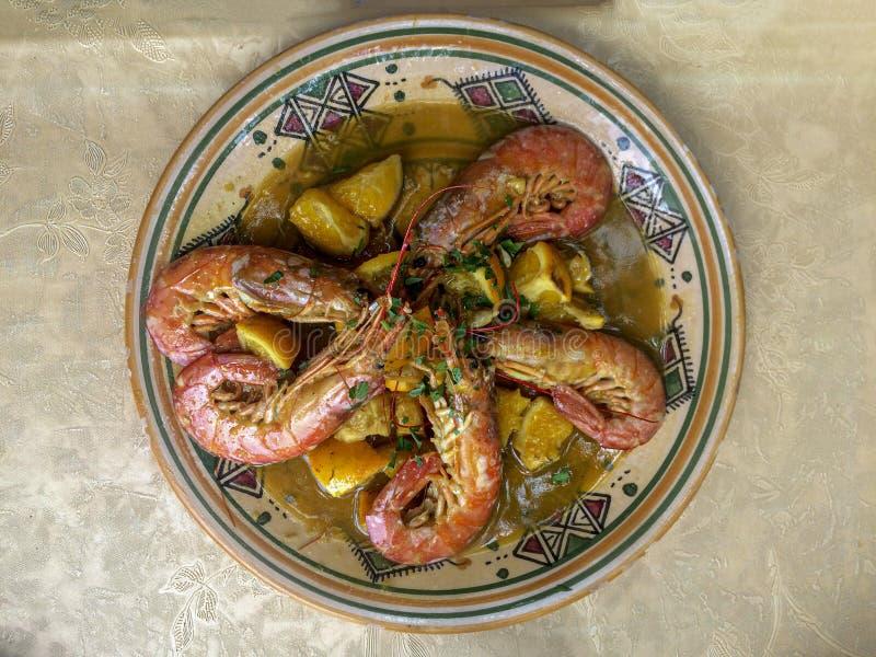 Traditionell Sicilien för orange räkaräkor maträtt royaltyfria foton