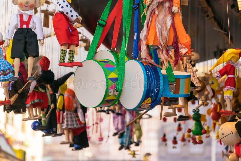 Traditionell souvenir för trädockor av Tjeckien arkivfoto
