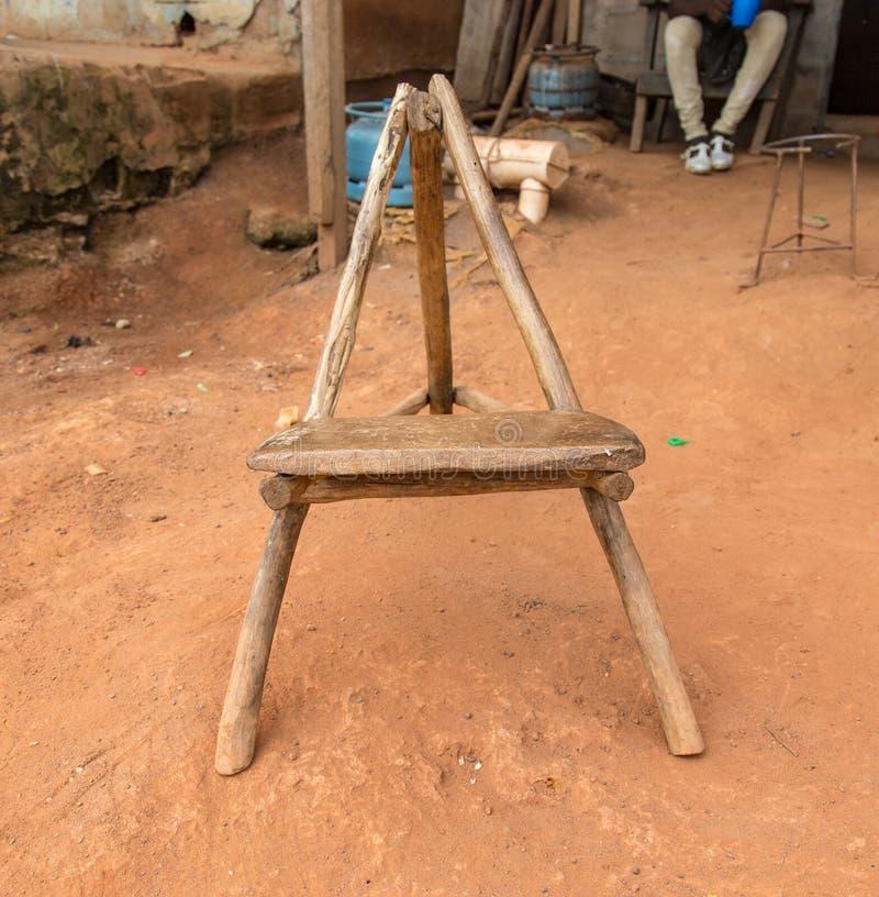 Traditionell stol som sett i ` Ivoire för Yamoussoukro Elfenbenskustenskjul D royaltyfri bild