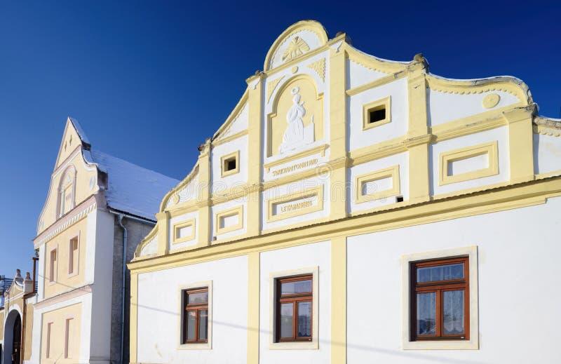 Traditionell tjeckisk stuga royaltyfri bild