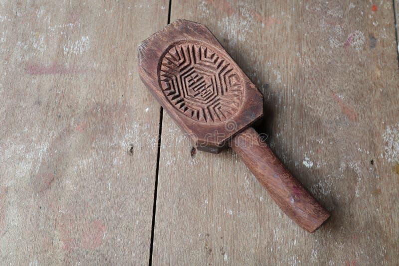 Traditionell träkakaform fotografering för bildbyråer
