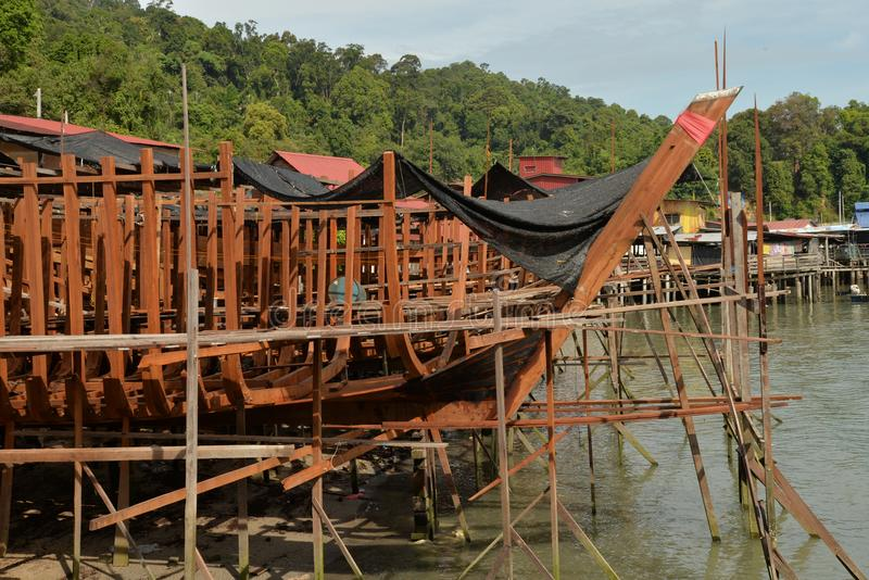 Traditionell träskeppsdocka för skeppbyggnad royaltyfria bilder
