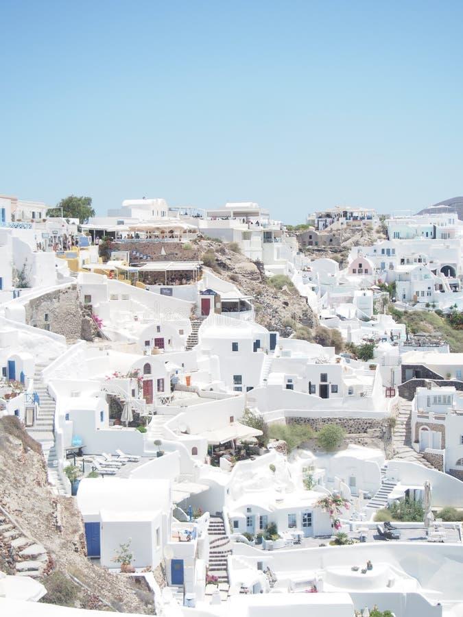 Traditionell vit tvättade Santorini Grekland royaltyfria foton