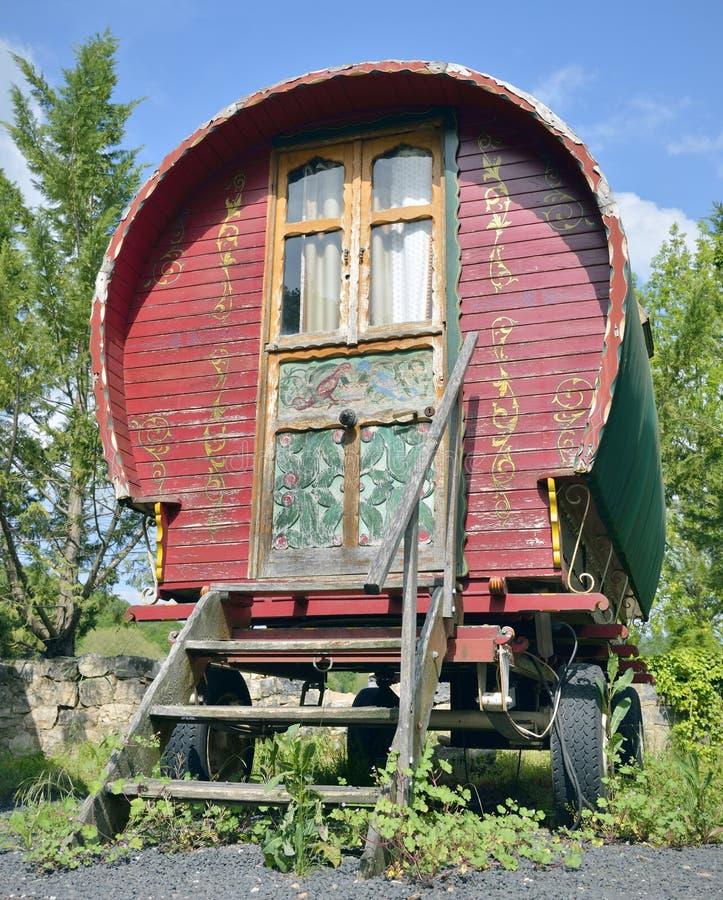 Traditionell zigensk husvagn royaltyfria bilder