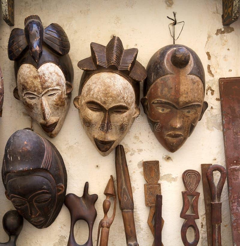 Traditionella afrikanska maskeringar royaltyfri foto