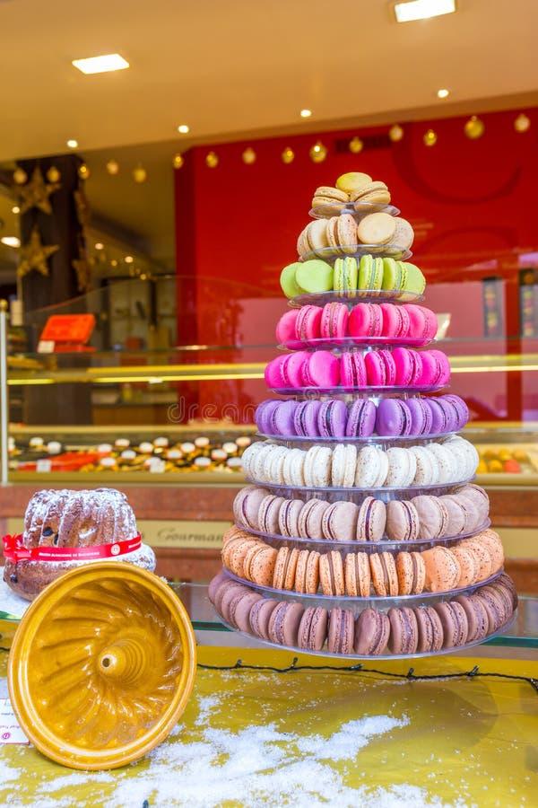 traditionella franska macarons royaltyfria bilder