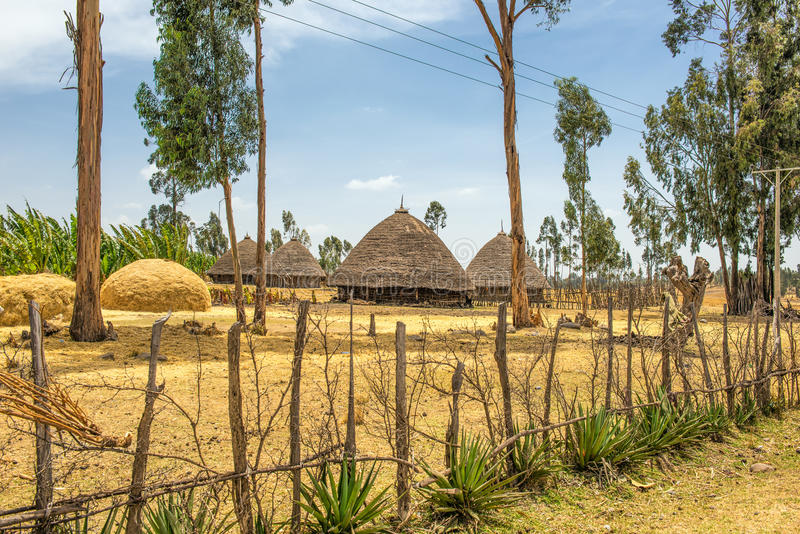 Traditionella hus i Etiopien, Afrika arkivfoto