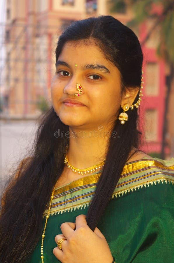 Traditionella Maharashtrian Girl-9 arkivbilder