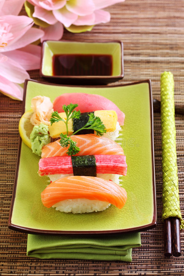 traditionella matjapan sushi arkivfoto