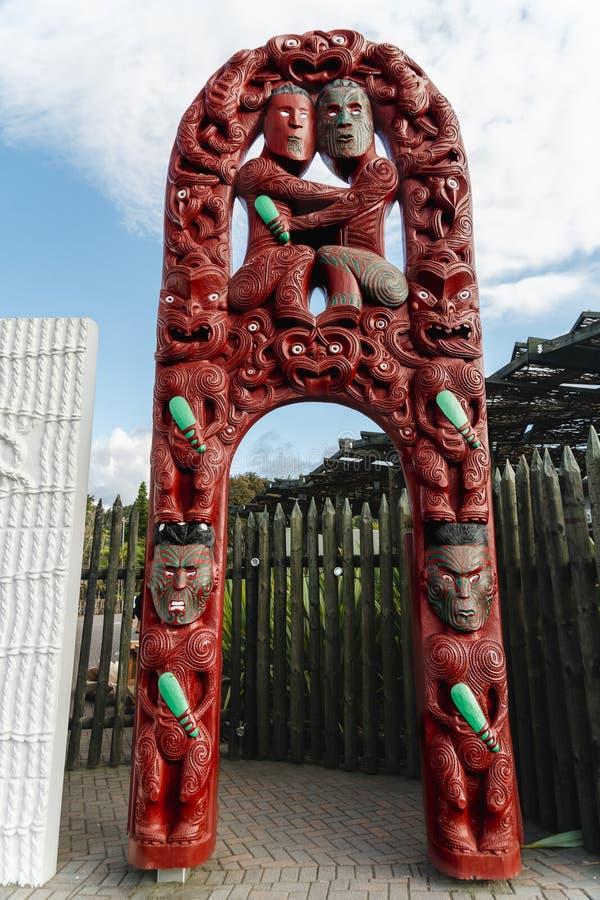 Traditionella nyazeeländska Maori Wood Carving arkivfoto