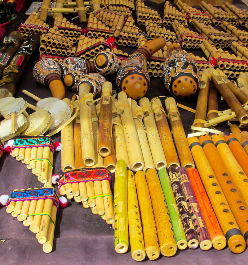 Traditionella peruanska bambupanpipes royaltyfri bild
