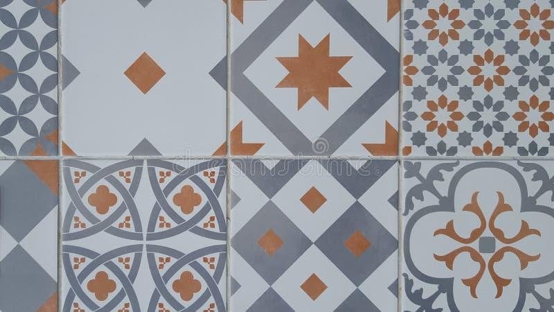 Traditionella utsmyckade portugisiska dekorativa tegelplattaazulejos royaltyfri illustrationer